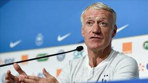 Deschamps renueva como seleccionador francés hasta 2022