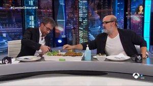 El Hormiguero: langosta y caviar en una cena excesiva para Javier Cámara
