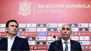 José Francisco Molina y Luis Rubiales (derecha), director deportivo y presidente de la RFEF, respectivamente
