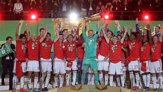 Lewandowski y Neuer lideran al Bayern y se proclama campeón de la Copa