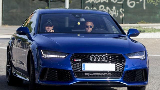 Neymar comunica a sus compañeros que se va al PSG