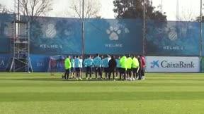 Raúl de Tomás ya entrena con el Espanyol