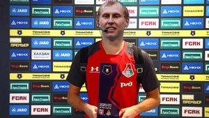 El Rubin vistió al árbitro Ivanov con la camiseta del Lokomotiv
