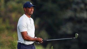 Tras una mala primera jornada, Woods decidió no jugar la segunda, con dolor en la espalda