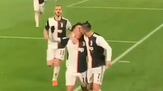 Una celebración con mucha pasión: el inesperado beso entre Dybala y Cristiano