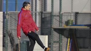 Valverde, poco antes del inicio del entrenamiento previo al duelo ante el Chelsea