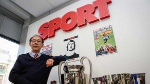 Zhuomin Ma, presidente de la peña barcelonista Dracs Units Xinesos pel Barça, visitó la redacción de SPORT el pasado jueves