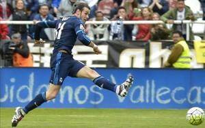 Bale culminó la remontada del Real Madrid con este zurdazo en carrera