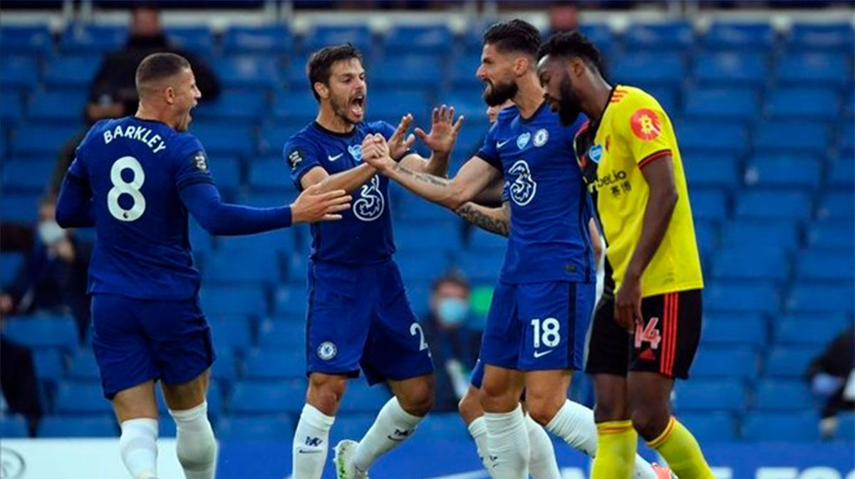 El Chelsea aguanta el pulso del United y su plaza Champions