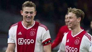 De Jong y De Ligt siguen en el Ajax de Amsterdam