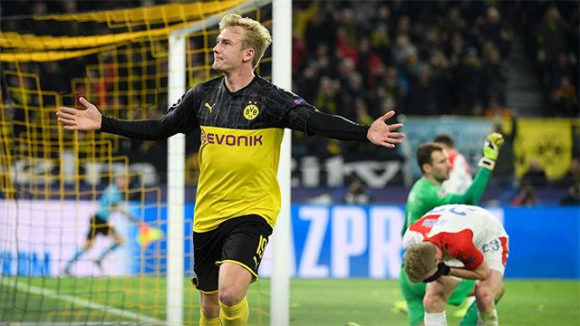 Julian Brandt amplió distancias con e 2-0 ante el Slavia Praga