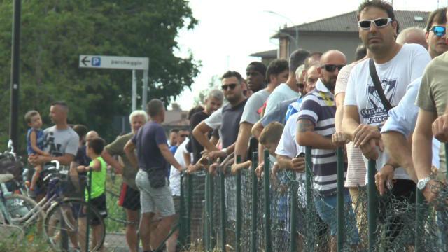 Locura en Brescia por ver a Balotelli en su primer entrenamiento