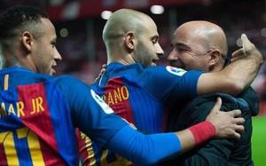 Mascherano y Neymar, con Samapoli
