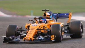 El McLaren, con Alonso al volante, en la última carrera del 2018