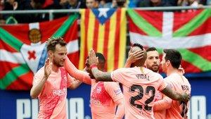 Messi firmó un doblete en el último partido de LaLiga 2018-2019 en Ipurúa