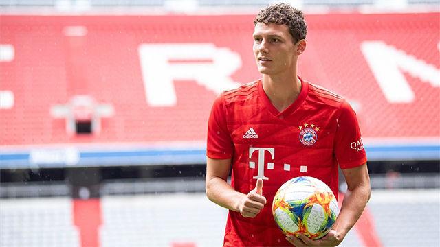 Pavard ya viste la camiseta del Bayern