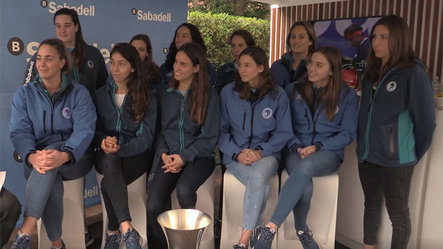 La plantilla del CN Sabadell visita el Barcelona Open Banc Sabadell