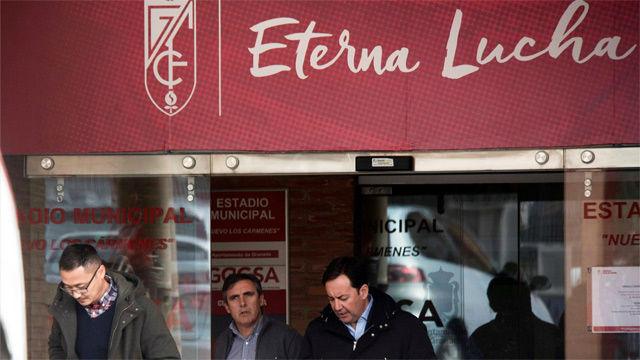 La policía registra las dependencias del Granada