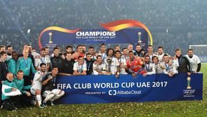 El Real Madrid celebra el título de campeón del Mundial de Clubes 2017