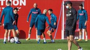 El Sevilla se ejercitó sabiendo de la importancia de su duelo ante el Rennes