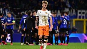 El Valencia buscará la remontada ante el Atalanta sin el calor de su público