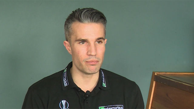 Van Persie: Pogba debe salir y decir si es un 6 o un 10