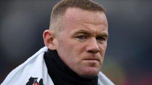Wayne Rooney cree que el jugador estadounidense está mal pagado