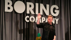 Elon Musk tiene muchas empresas, entre ellas The Boring Company.