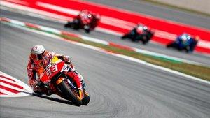 Márquez lidera con contudencia el campeonato