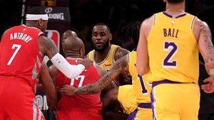 La brutal pelea en el Lakers - Rockets de la NBA