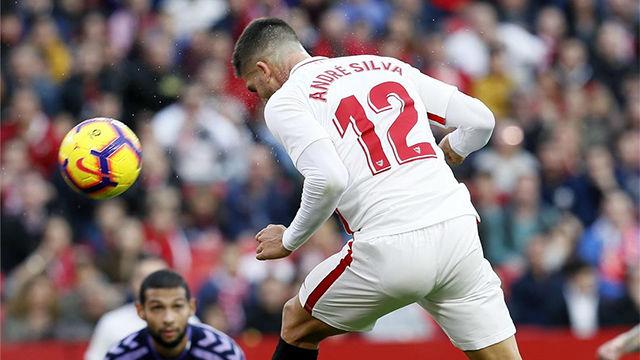Un gol que vale un liderato: André Silva anotó ante el Valladolid un gran gol de cabeza