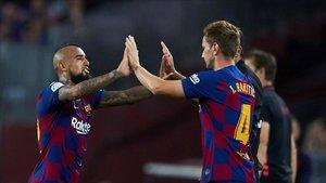 El Inter aprieta por Vidal y Rakitic