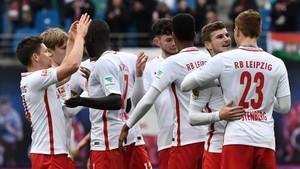 Los futbolistas del RB Leipzig celebran la clasificación para la Champions