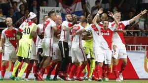 Los jugadores del Mónaco festejan el título conquistado en casa