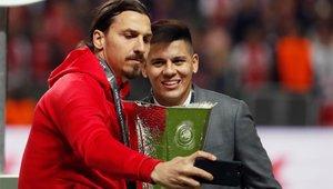 Marcos Rojo y Zlatan Ibrahimovic, en la ceremonia de la Europa League que consiguieron en 2017