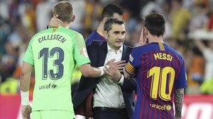 Messi y Valverde, al final del partido