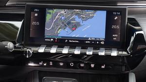 Detalle del sistema de funciones y navegación del Peugeot 508.