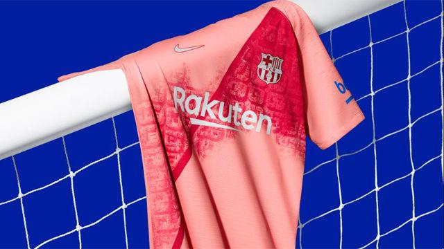 OFICIAL  El Barça presenta su tercera equipación 27a1efa49f899