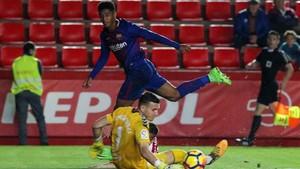 El Choco Lozano en una acción del Nàstic-Barça B de esta temporada