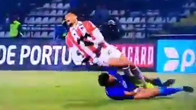La escalofriante entrada de Pepe en su debut con el Porto