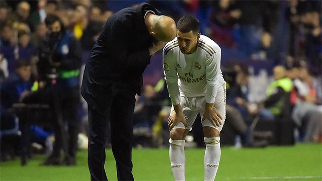Hazard enciende todas las alarmar en el Madrid tras retirarse lesionado