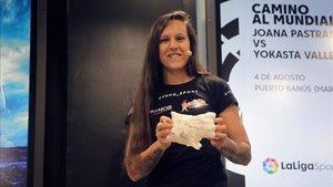Joana Pastrana, este jueves en la presentación de su defensa mundial