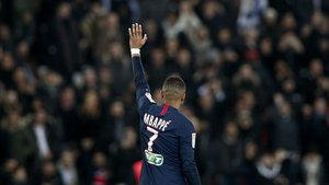 Mbappé anotó un gol ante el Saint Étienne