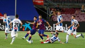 Messi asistió a Suárez para que adelantara al Barça