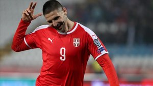 Mitrovic fue el autor de los dos primeros goles de Serbia
