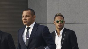 Neymar padre busca la fórmula para que su hijo deje el PSG