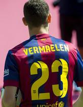La presentación de Vermaelen, en imágenes