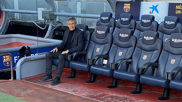 Quique Setién ya se sienta en el banquillo del Barça