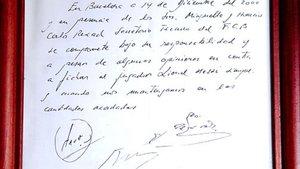 La servilleta en la que firmó su primer contrato, ahora exhibida en el museo