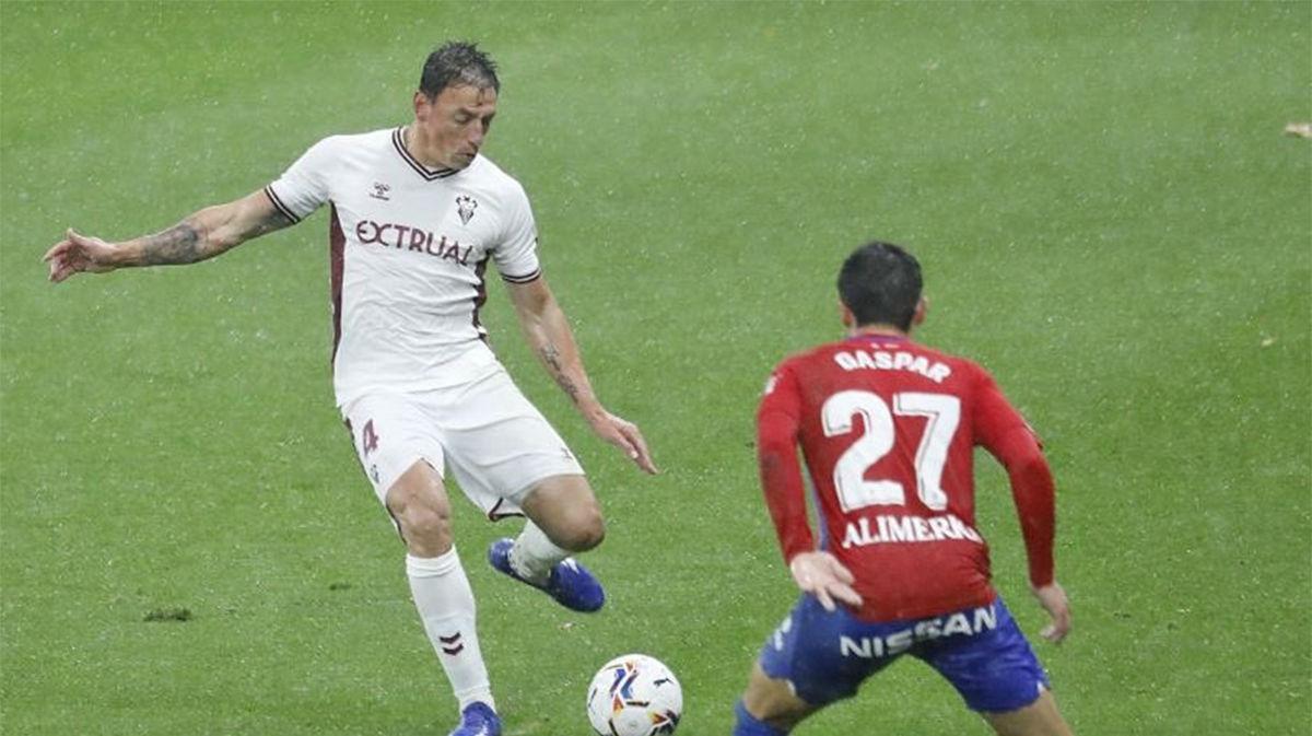 Sporting y Albacete empatan a nada